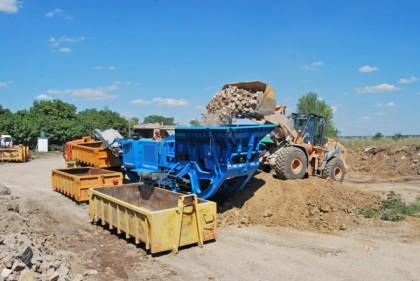 DSC 0746 420x281 В Донецке начал работать переработчик строительного мусора