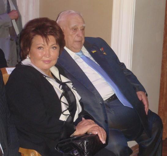 Татьяна Бахтеева и Ефим Звягильский с удовольствием улыбались в камеру, но общаться отказались.