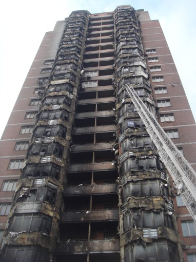Сгоревшие мечты. Недостроенный, но жилой дом сгорел в центре Донецка