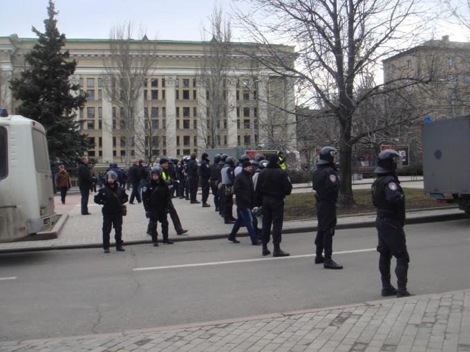Милиция на митингах в Донецке