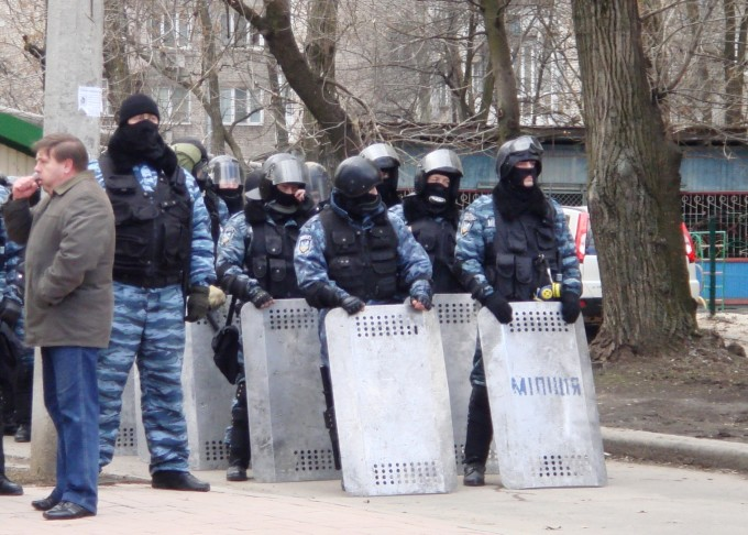 Беркут в Донецке